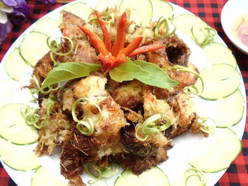 Cách làm món cá trắm giòn chiên sả ớt