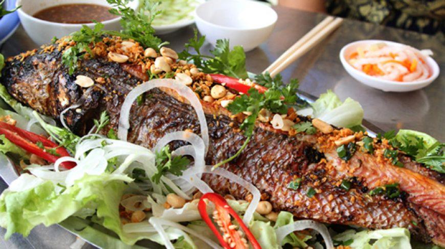 Cá trắm giòn nướng muối ớt